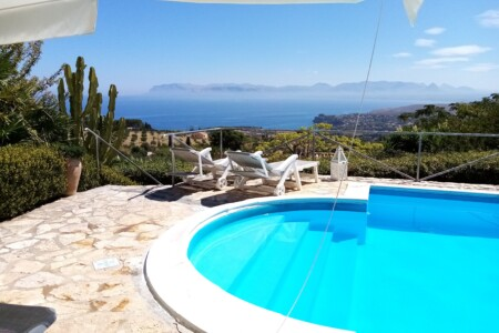 Villa con piscina a Scopello con vista mozzafiato