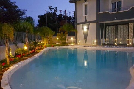 Villa con piscina Fontane Bianche vicina al mare