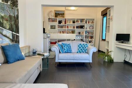 Appartamento in villa a Mondello Palermo
