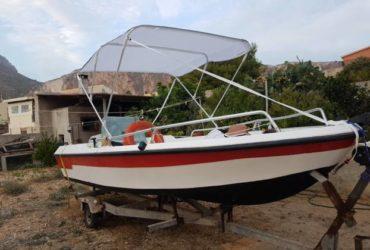 Barca motore carrello