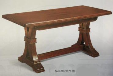 Tavolo in legno massello colore noce