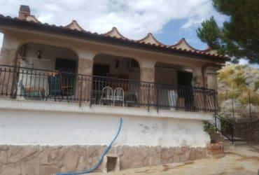 Villetta ristrutturata e arredata a Belmonte Mezzagno (PA)