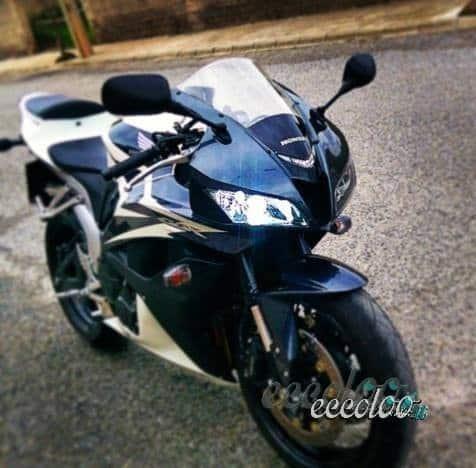 Honda CBR 600 RR anno 2009 con 8000 km