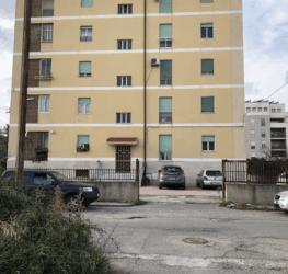 Vendo appartamento in centro a Locri (RC)