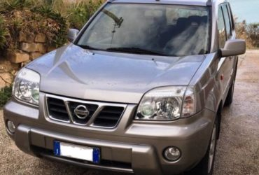 Nissan X-trail 2.2 dci 4×4 full optinal + gancio traino 2000 kg