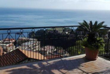Taormina Casa vacanza – appartamento con posto auto