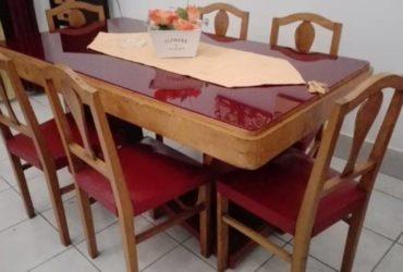 Vendo credenza, tavolo con sedie anni 50