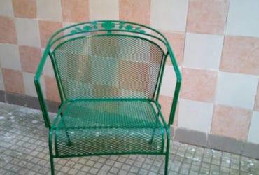 Poltroncina in ferro battuto verde da giardino
