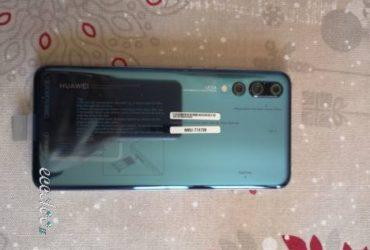 Vendo HUAWEI P20 PRO Telefono nuovo a €.600