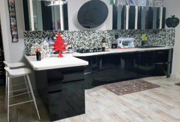 Cucina Spar modello Naxos 4.00 mt con penisola. €.4000