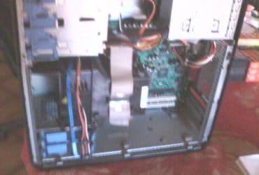 Computer DELL Optiplex 740 e monitor DELL. €.35