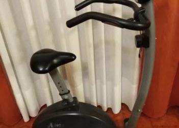 Cyclette A107 e Step per gambe e glutei. €.90