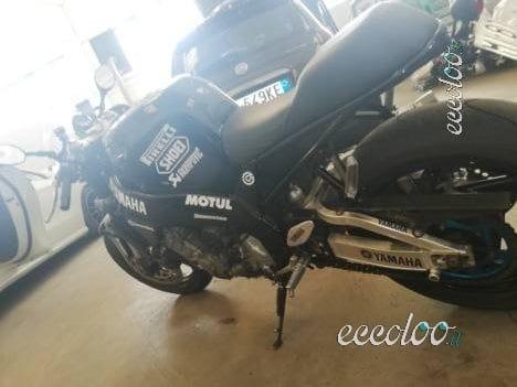 Yamaha yzf 750 r trasformata in Cafe Racer. €. 2800