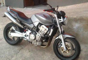 Honda hornet 900 gommata nuova a €. 2200