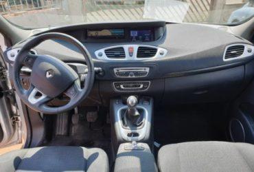 Renault scenic 1.5 xmod diesel . €. 4690