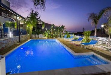 Appartamenti in residence e villa con piscina a Alcamo Marina