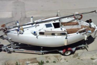 Barca a vela cabinata, deriva mobile carrellabile, eventuale carrello omologato e autopilota Raymarine. €.7000