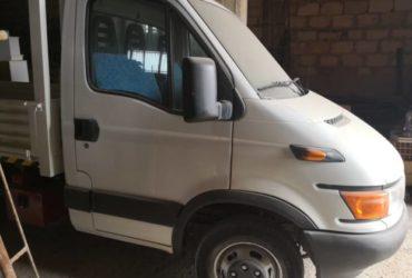 Autocarro ribaltabile trilaterale FIAT Iveco Daily  35A9