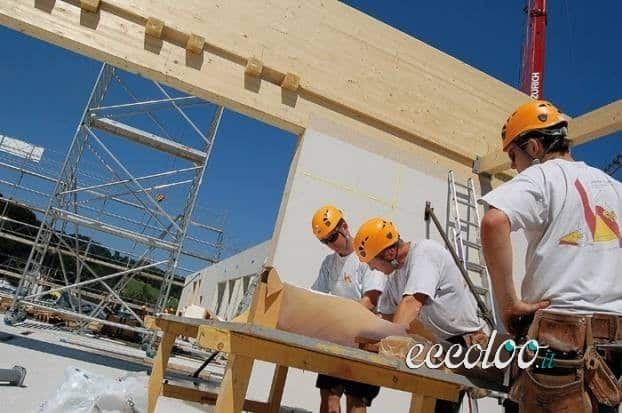 Si cercano Carpentieri Qualificati per lavoro BIENNALE.