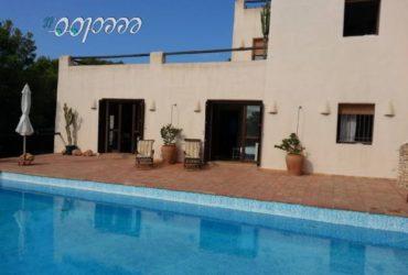 IBIZA, alloggio in villa vista mare con piscina e giardino. € 140