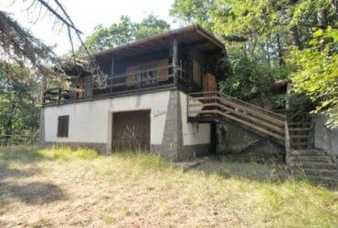 Tiglieto (GE) vendesi casa indipendente con giardino. €.99000