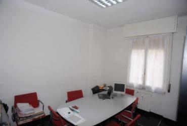 Genova Pra Palmaro zona Murtola vendesi alloggio 75 mq abitabile  confortevole. €. 100000