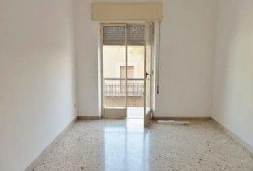Marsala Appartamento mq 220 per Attività. €. 700
