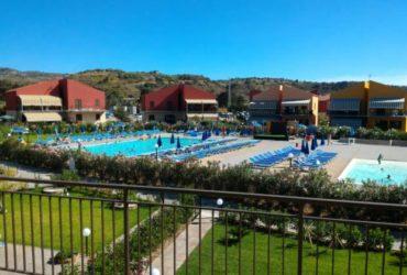 Casa Vacanze al mare Campofelice di Roccella. €. 500