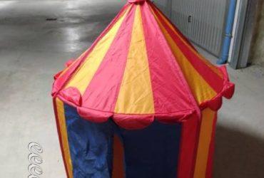 tenda circo per bimbi e macchinina tutto a €. 19