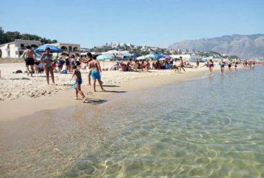 Appartamento sulla spiaggia di Alcamo Marina. €. 400
