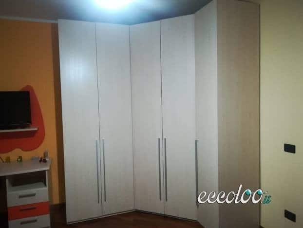 Stanzetta e altri mobili anche singolarmente. Tutto a €. 1000