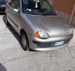 Fiat 600 usata ma in buone condizioni. €. 1500
