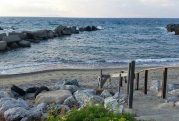 Affittasi casa a mare a Tonnarella (Terme Vigliatore). €. 250