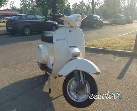 Vespa pk 50 bianca del 1983. €. 1800
