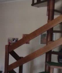 Scala in legno per interno. €. 1500