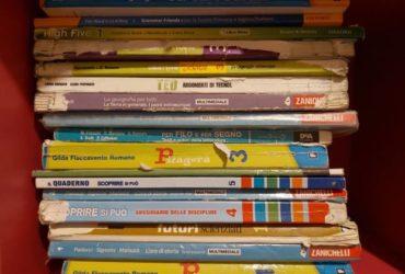 Libri di testo scuola media Petrarca Ganzirri