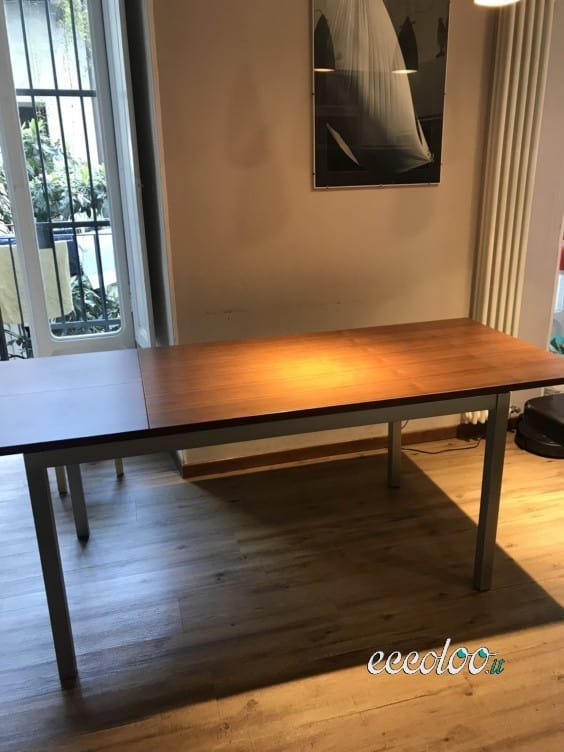 Tavolo allungabile in legno con 6 sedie