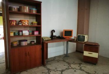 Libreria con scrivania a scomparsa