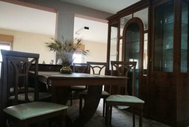 Camera da pranzo classica completa nuova